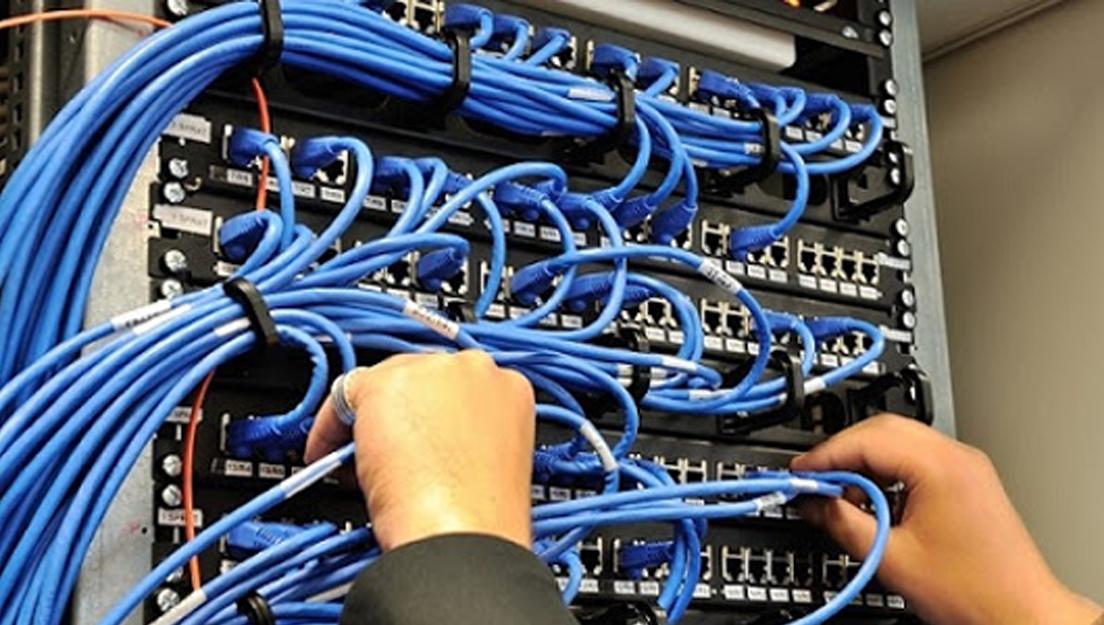 اجرای خدمات شبکه کامپیوتری
