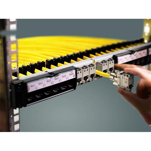 نصب رک و ارایش کابلهای داخل رک توسط پسیو کار شبکه