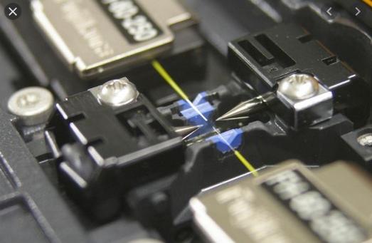 فیبرنوری از تجهیزات شبکه
